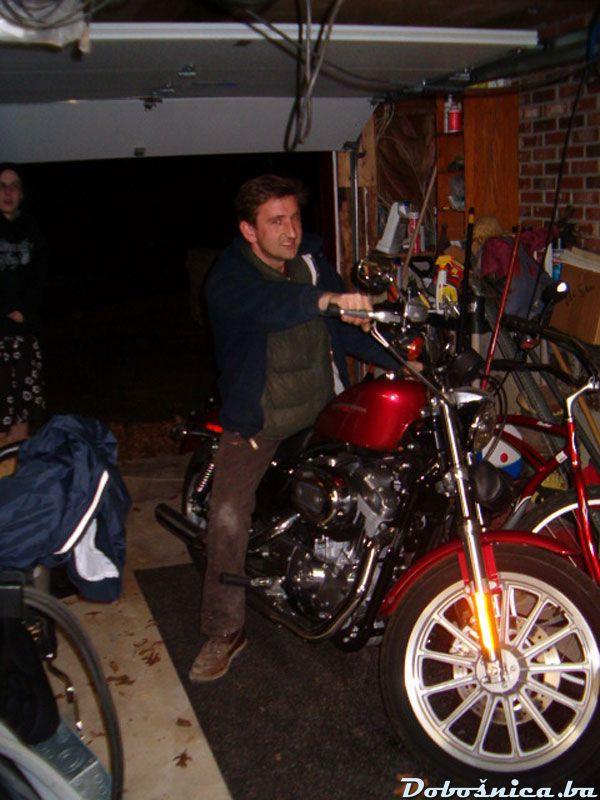 djole na Harley-u