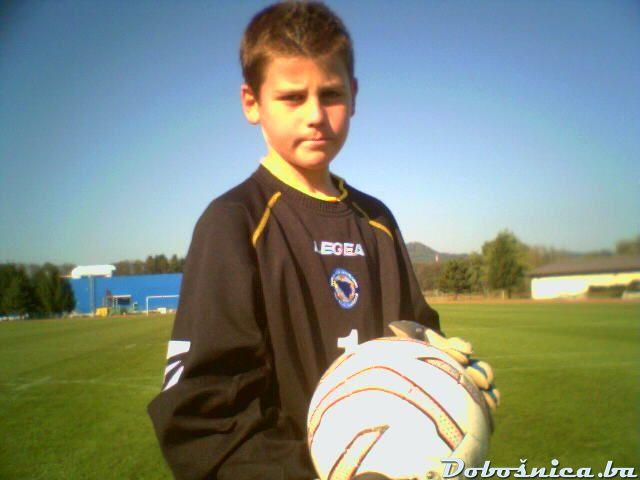 Hankic Hidajet u original dresu od Tolje sa utakmice BiH - San Marino
